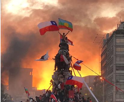 Un 2020 de unidad y lucha, por una constitución plurinacional y paritaria sancionada soberanamente por el Pueblo Chileno en el marco de una Asamblea Constituyente.